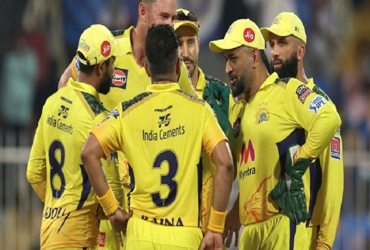 CSK v/s SRH: Chennai Super Kings became the first team to reach the playoffs by defeating Hyderabad by 6 wickets in the 44th match of IPL, Dhoni made these two records?