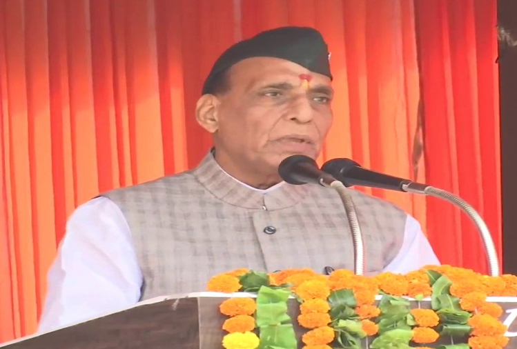 The way Garhwali ji performed their military religion in Peshawar in 1930, in the same way soldiers followed their religion against China in Galwan Valley in 2020 - Rajnath Singh