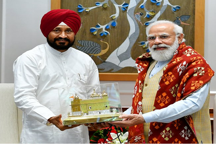 Punjab CM Charanjit Singh Channi met PM Modi in New Delhi, talked about the purchase of paddy, all three agricultural laws