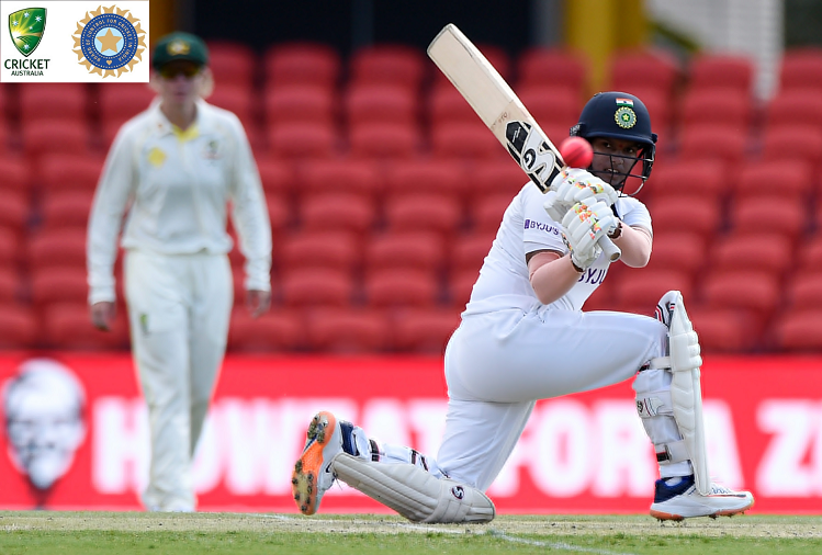 IND v/s AUS Women Test 3rd DAY : In the Pink Ball Test, Australia women's bowlers craved the wicket, the Indian women's team declared the innings at 377/8, after Mandhana's 127, Deepti Sharma played an innings of 66 runs.