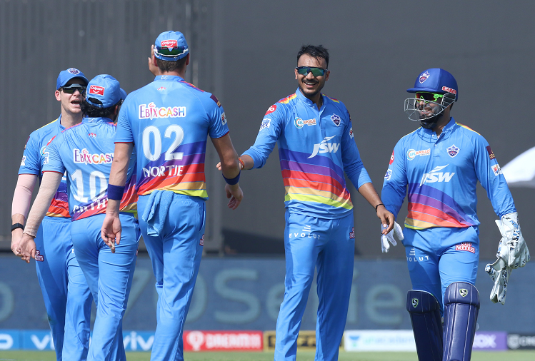 Delhi Capitals beat Mumbai to make it to the playoffs, second only to Chennai, beat Mumbai Indians by 4 wickets