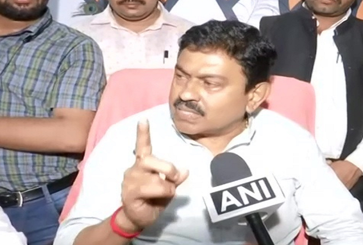Union Minister of State for Home Ajay Mishra said on Lakhimpur Kheri incident, if my son had been driving, he would have been killed, it is not possible for 10-12 people to leave by riding on someone