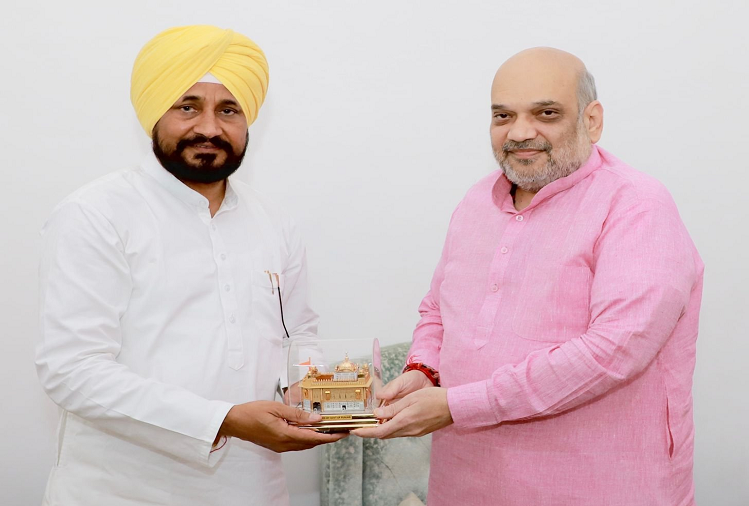 Delhi : Heavy loss to the state due to illegal smuggling of drugs and weapons from across the border in Punjab, Punjab CM Channi meets Union Home Minister Amit Shah in New Delhi, seeks personal intervention