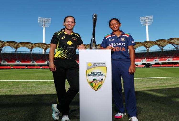 IND (W) v/s AUS (W) 1st T-20 : Team India, which performed brilliantly in the Pink Ball Test, will now show a strong performance in the Twenty20 series against Australia, the first Twenty20 match of the three-match Twenty20 series today, Harmanpreet Kaur will be captained