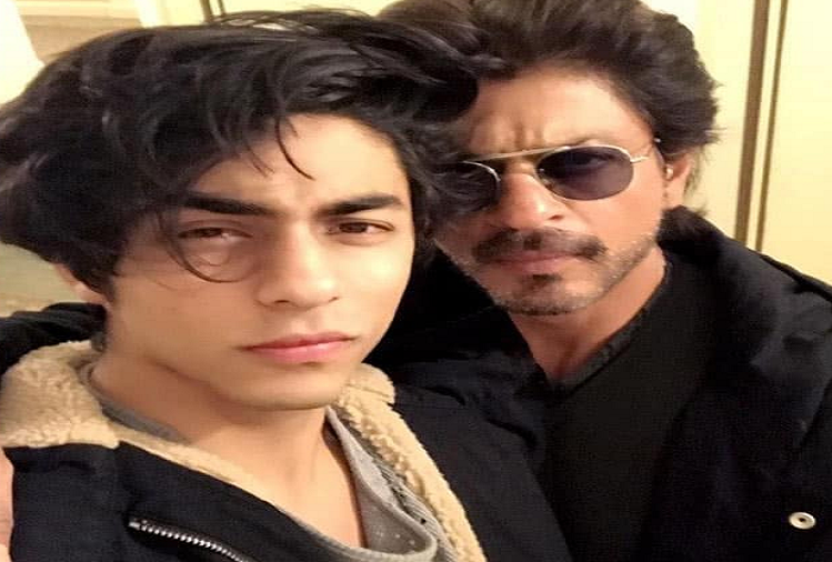 Shahrukh Khan becomes victim of trollers gang on social media after arrest of son Aryan Khan in drugs case, BYJU'S app bans all advertisements of King Khan
