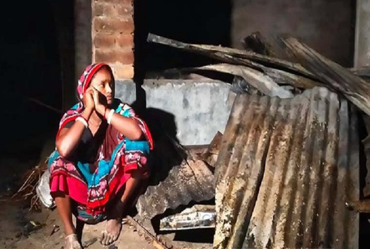 Violence against Hindus in Bangladesh is increasing continuously, 29 houses of Hindus were set on fire in Rangpur district of Bangladesh, vandalism in temples also continues.