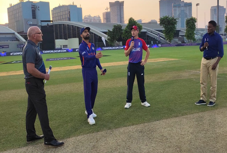 IND v/s ENG Warm Up Match: In the first warm-up match of the ICC Twenty20 Cricket World Cup, India clashes with England, Team India captain Kohli won the toss, chose to bowl first
