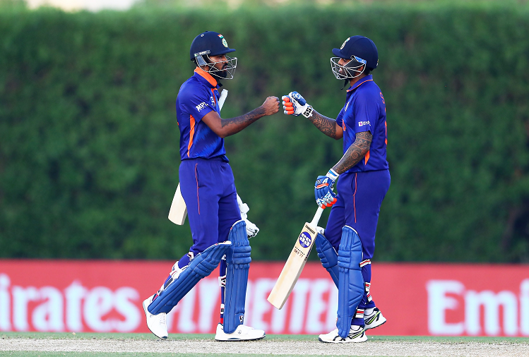 INDv/sAUS: Team India beat Australia by 8 wickets in the second warm-up match after England, KL Rahul's bat came out again after Rohit Sharma, scored so many runs?