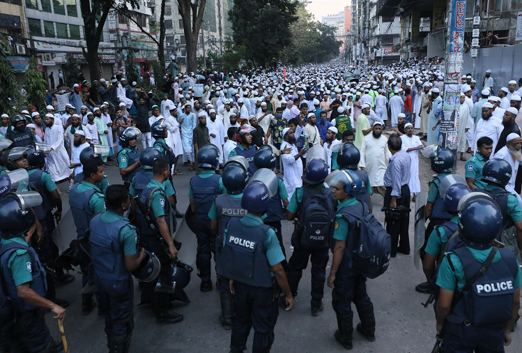 Dhaka : Iqbal Hussain, an accused who played a key role in instigating violence and riots with minorities in Bangladesh, arrested, PM Sheikh Hasina assured of immediate action